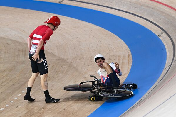 Cyclists from Denmark and Great Britain during their teams' competition. - Sputnik International