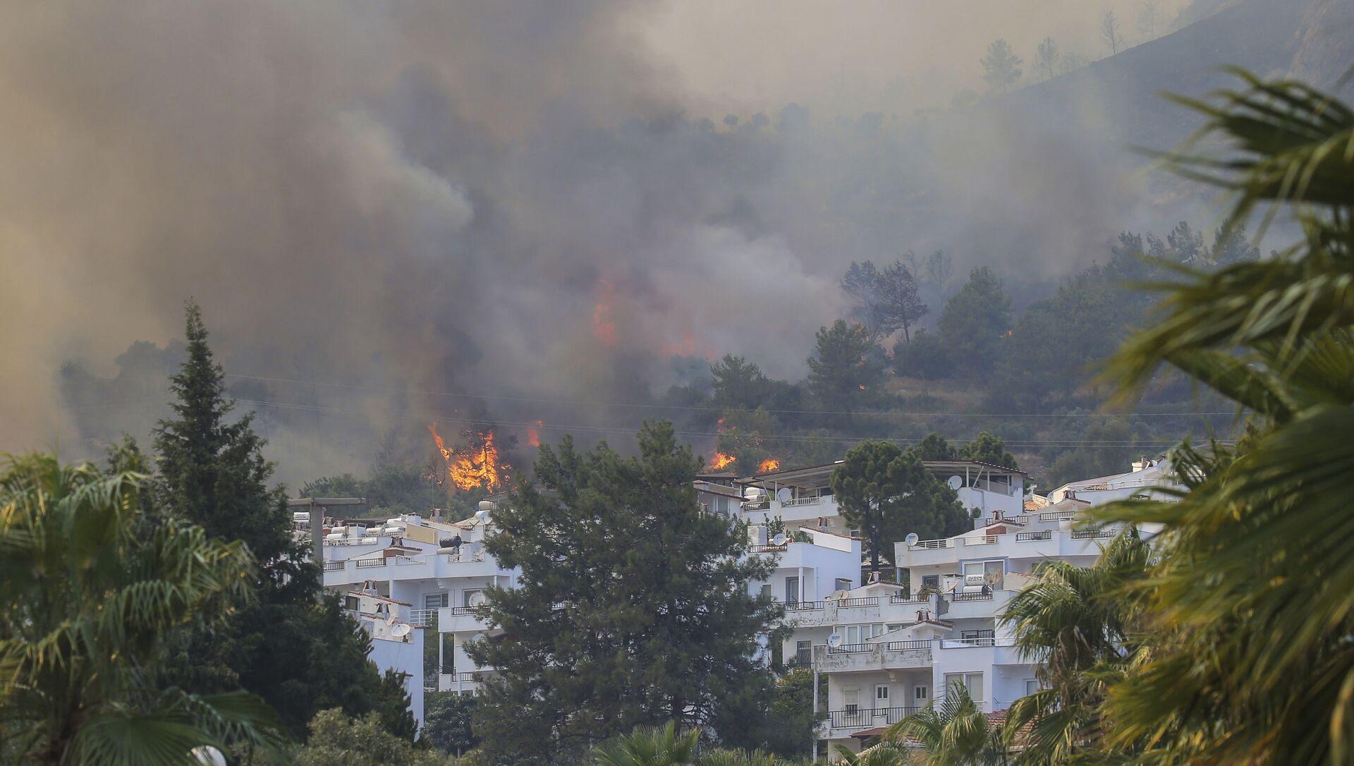 A fire engulfs the area in Oren, near Bodrum, Turkey, on Tuesday, 3 August 2021. - Sputnik International, 1920, 04.08.2021