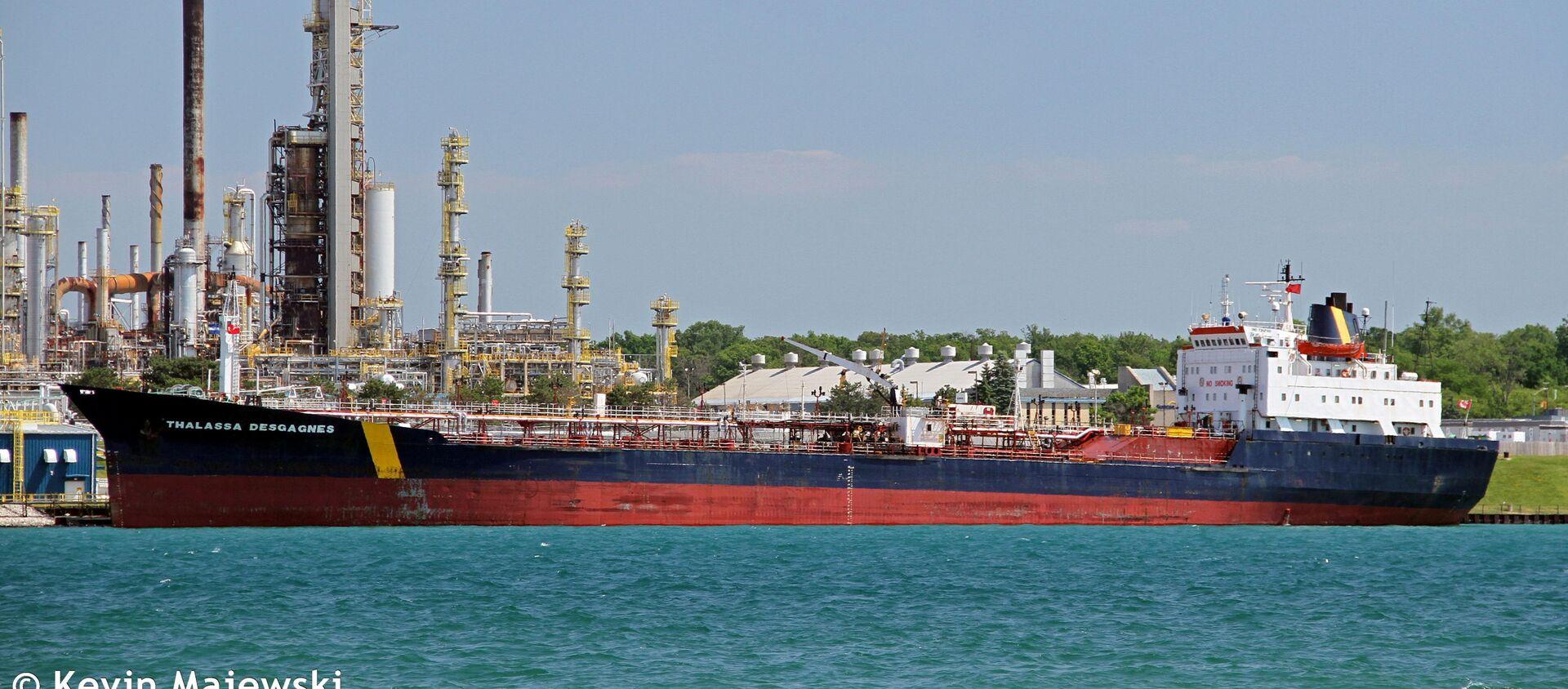 A handout image shows the Thalassa Desgagnes tanker, now called the Asphalt Princess, in Sarnia, Ontario, Canada June 19, 2016. - Sputnik International, 1920, 04.08.2021