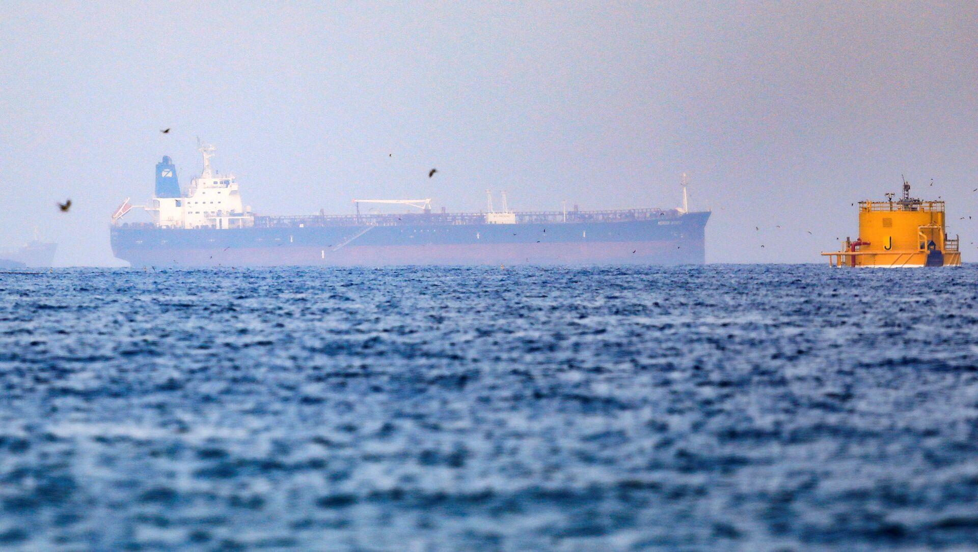 Mercer Street, an Israeli-managed oil tanker that was attacked off the coast of Oman, is seen near Fujairah Port in United Arab Emirates, August 3, 2021. - Sputnik International, 1920, 05.08.2021