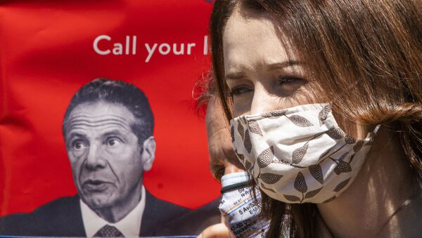 Lindsey Boylan, a former state economic development adviser for Gov. Andrew Cuomo, attends a rally and march calling for impeachment of Cuomo at Washington Square park, on Saturday, March. 20, 2021, in New York. - Sputnik International
