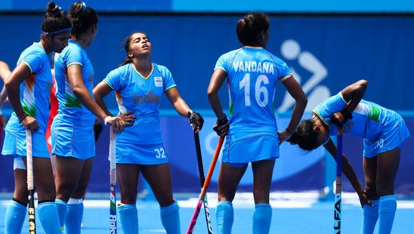 Tokyo 2020 Olympics - Hockey - Women - Bronze medal match - Britain v India - Oi Hockey Stadium, Tokyo, Japan - August 6, 2021. Players of India react as they wait for the referee's decision on a video referral.  - Sputnik International