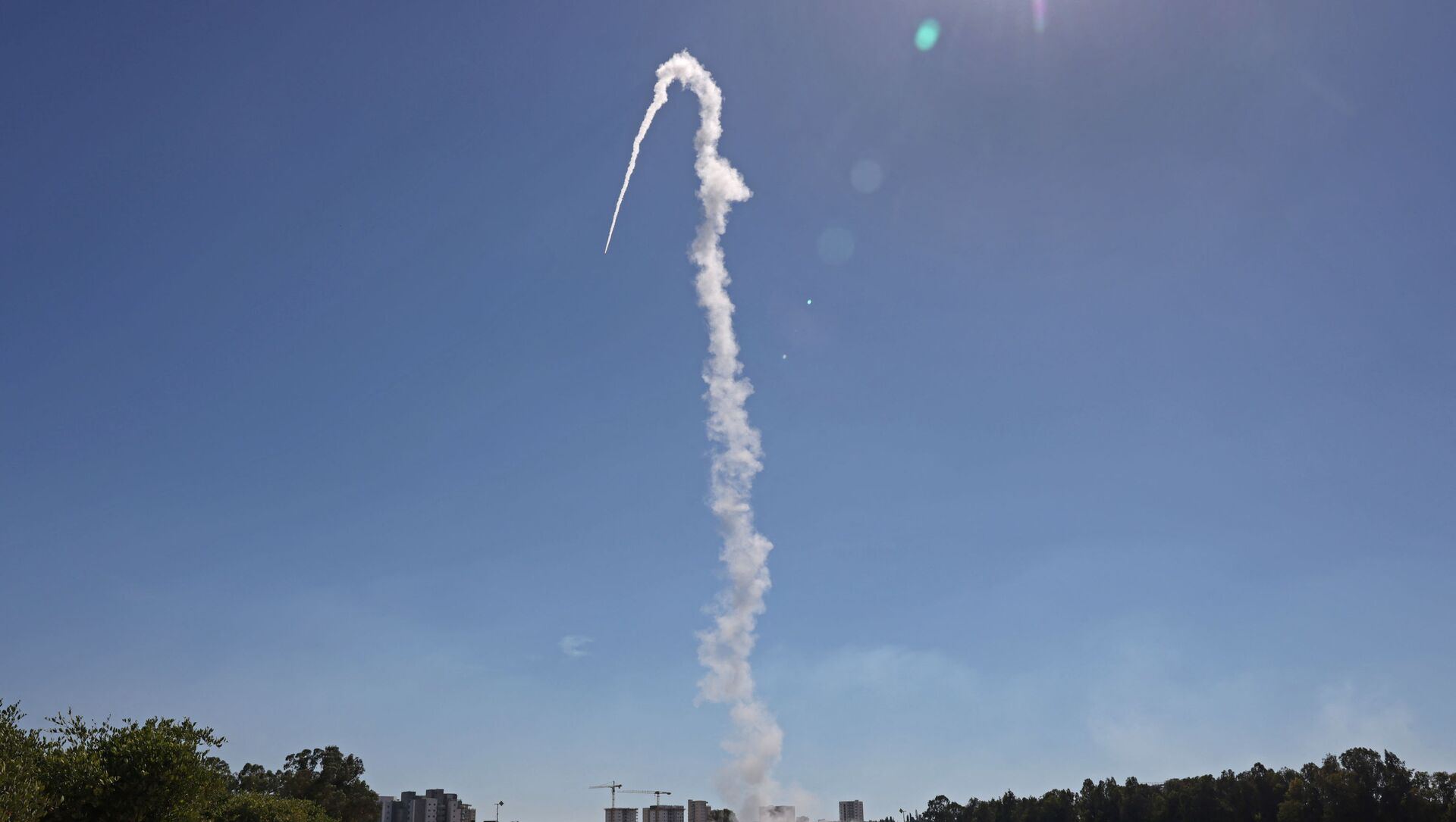 Israel's Iron Dome aerial defence system is launched to intercept rockets launched from the Gaza Strip, above the southern Israeli city of Sderot, on May 18, 2021. - Sputnik International, 1920, 06.08.2021