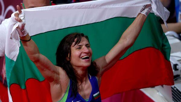 Stoyka Krasteva of Bulgaria celebrates her win  against Buse Naz Cakiroglu of Turkey. Tokyo 2020 Olympics - Boxing - Women's Flyweight - Final - Kokugikan Arena - Tokyo, Japan - August 7, 2021. - Sputnik International