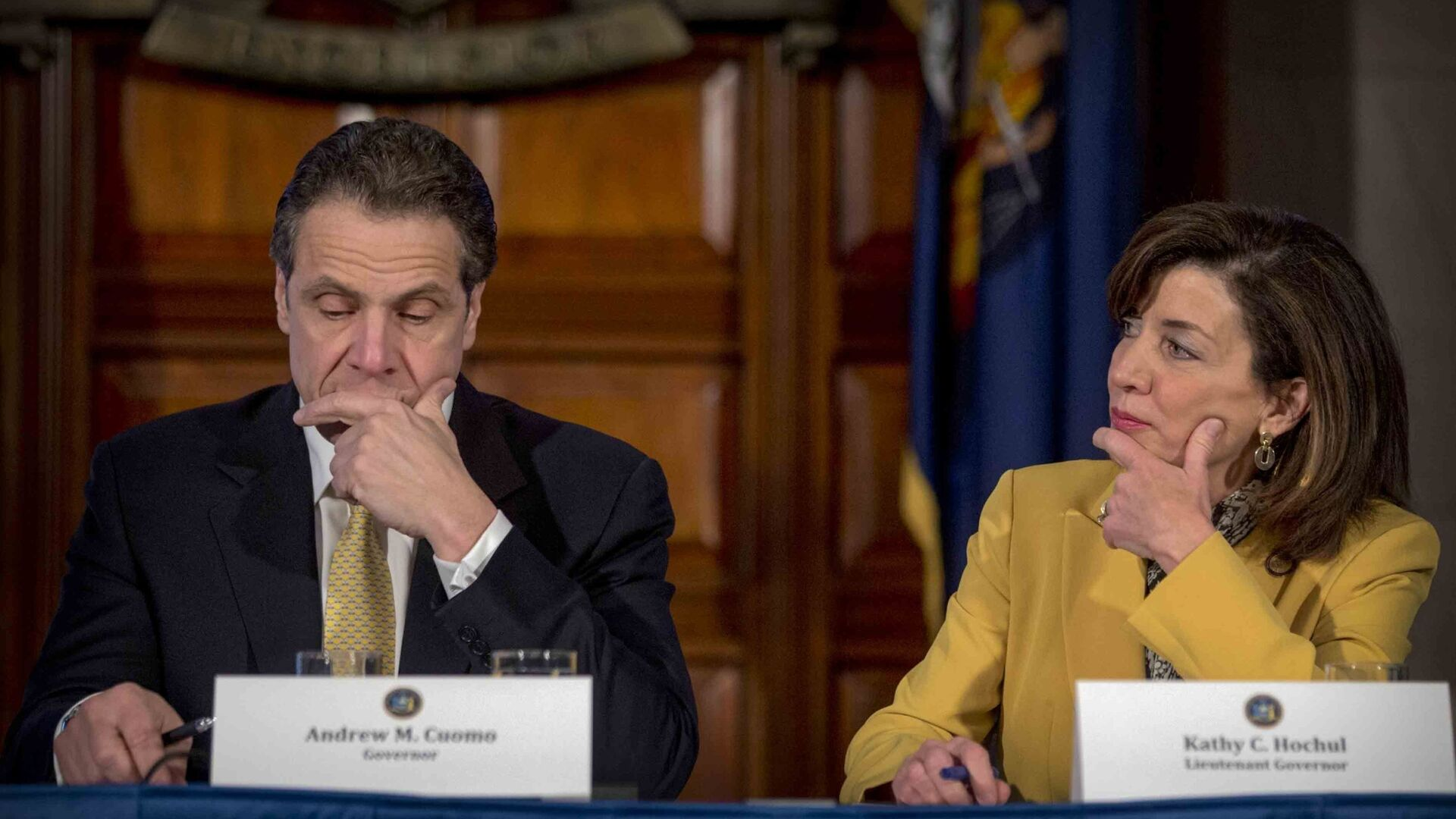 FILE - This photo from Wednesday, Feb. 25, 2015, shows New York Gov. Andrew Cuomo, left, and Lt. Gov. Kathy Hochul during a cabinet meeting at the Capitol in Albany, N.Y. Cuomo faces possible impeachment following findings from an independent investigation overseen by state Attorney General Letitia James - Sputnik International, 1920, 11.08.2021