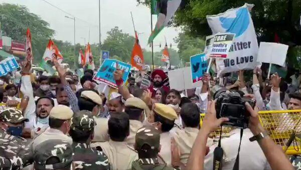 Outside Twitter India's office in Delhi. - Sputnik International