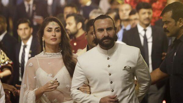 Bollywood actors Kareena Kapoor and Saif Ali Khan arrive at the wedding of Isha Ambani - the daughter of Reliance Industries Chairman Mukesh Ambani - and Anand Piramal in Mumbai, India on Wednesday, 12 December 2018. - Sputnik International