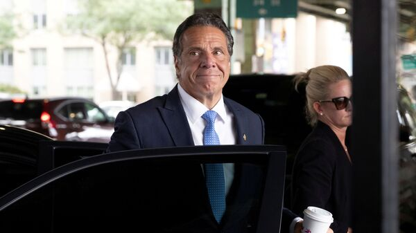 New York Governor Andrew Cuomo arrives to depart in his helicopter after announcing his resignation in Manhattan, New York City, U.S., August 10, 2021.  - Sputnik International
