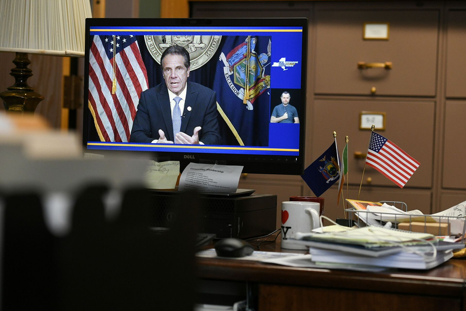 Governor Andrew Cuomo's resignation is seen on a computer screen in Assemblywoman Patricia Fahy's office at the Legislative Office Building in Albany, New York, U.S., August 10, 2021 - Sputnik International, 1920, 07.09.2021
