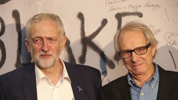 Director Ken Loach, left, and leader of Britain's Labour Party, Jeremy Corbyn, pose together for photographers at the premiere of the film I, Daniel Blake. - Sputnik International