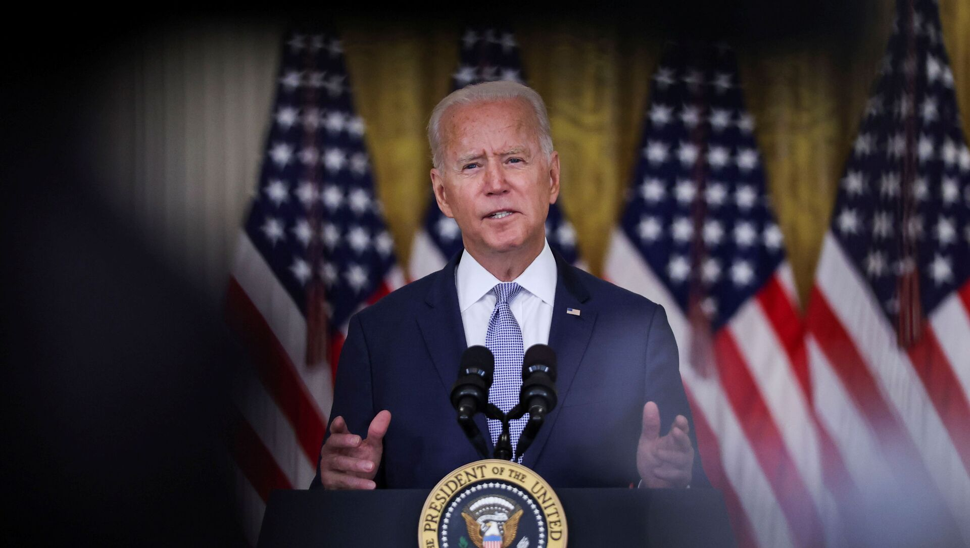 U.S. President Joe Biden discusses his 'Build Back Better' agenda and administration efforts to lower prescription drug prices during a speech in the East Room at the White House in Washington, U.S., August 12, 2021 - Sputnik International, 1920, 18.08.2021