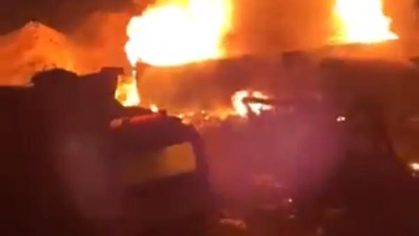 Explosion of a fuel tanker early on Sunday in Akkar, in northern Lebanon, August 15, 2021 - Sputnik International