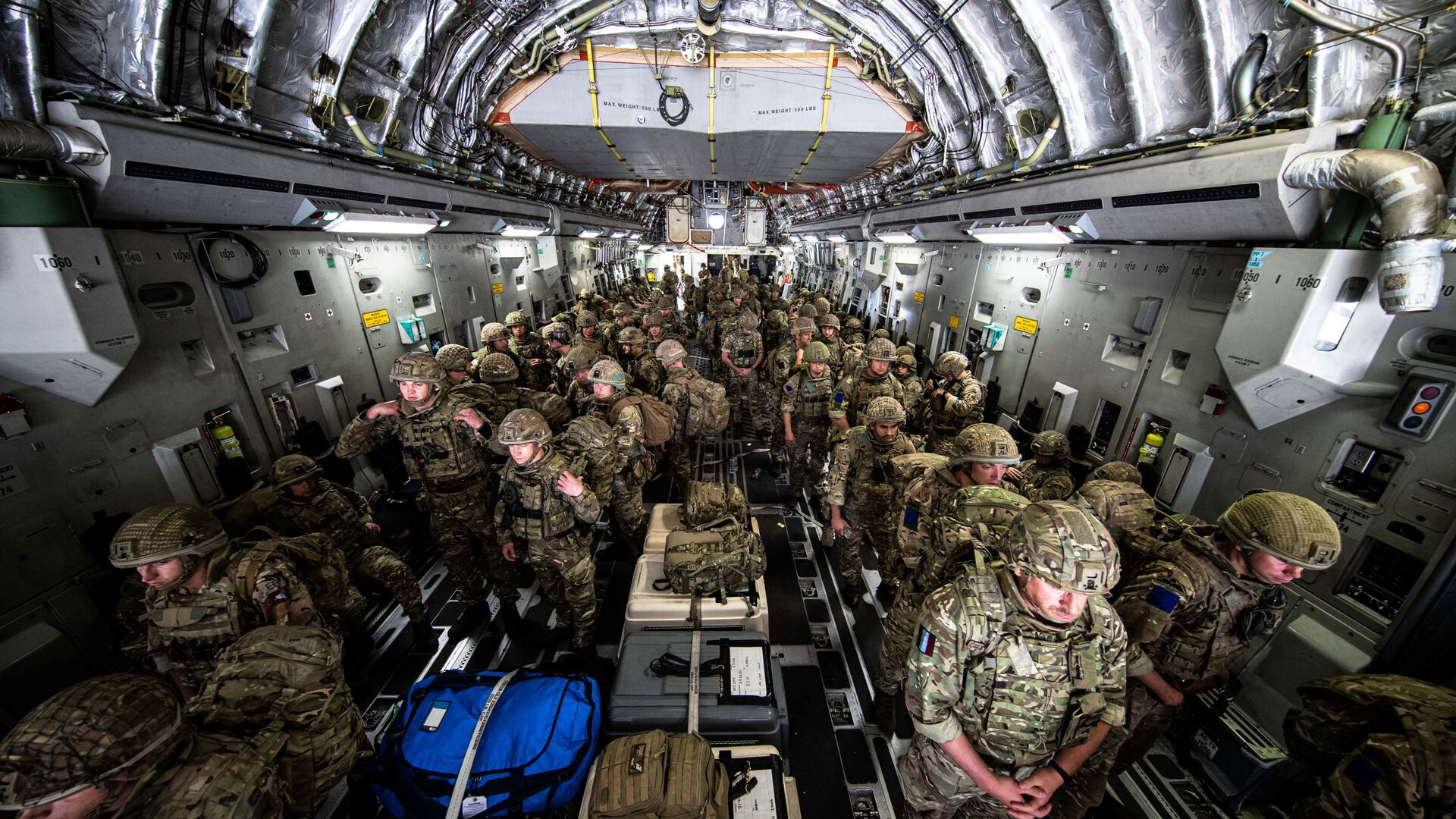 British Forces from 16 Air Assault Brigade arrive in Kabul, Afghanistan, to provide support to British nationals leaving the country, as part of Operation PITTING after Taliban insurgents took control of the presidential palace in Kabul, 15 August 2021. Leading Hand Ben Shread/RAF/UK Ministry of Defence 2021/Handout via REUTERS   THIS IMAGE HAS BEEN SUPPLIED BY A THIRD PARTY. - Sputnik International, 1920, 19.08.2021