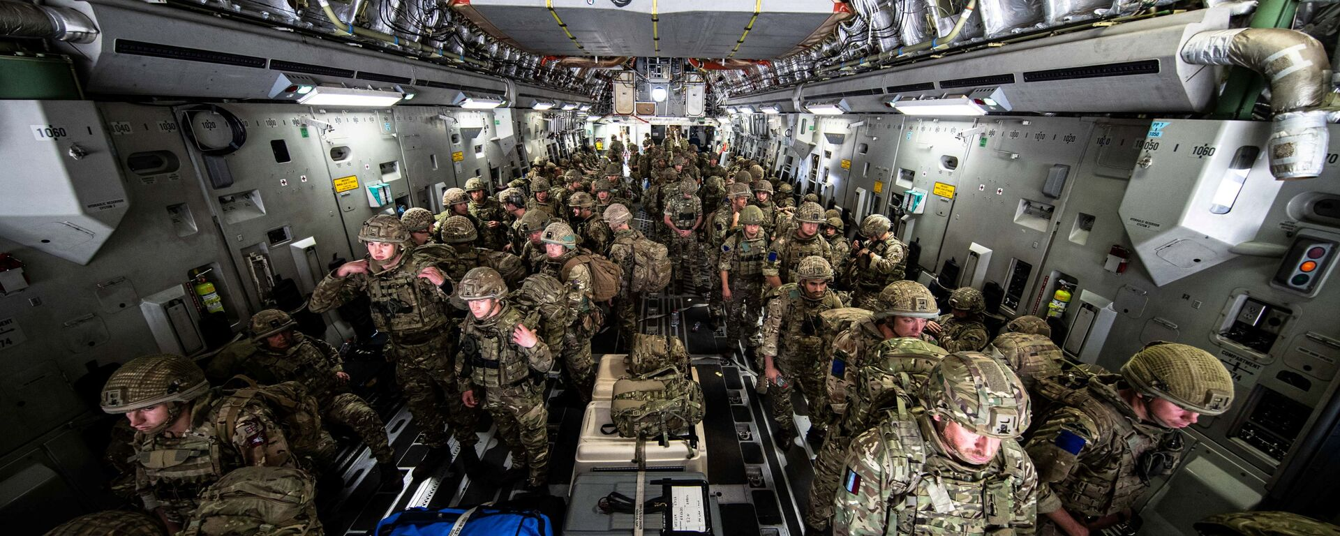 British Forces from 16 Air Assault Brigade arrive in Kabul, Afghanistan, to provide support to British nationals leaving the country, as part of Operation PITTING after Taliban insurgents took control of the presidential palace in Kabul, August 15, 2021. Leading Hand Ben Shread/RAF/UK Ministry of Defence 2021/Handout via REUTERS   THIS IMAGE HAS BEEN SUPPLIED BY A THIRD PARTY. - Sputnik International, 1920, 16.08.2021
