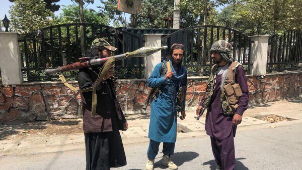 Taliban forces stand guard inside Kabul, Afghanistan August 16, 2021 - Sputnik International