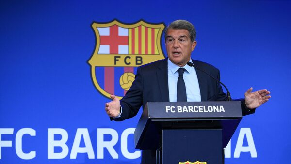 President of FC Barcelona Joan Laporta gestures during a press conference at the Camp Nou stadium in Barcelona on August 16, 2021. - Sputnik International