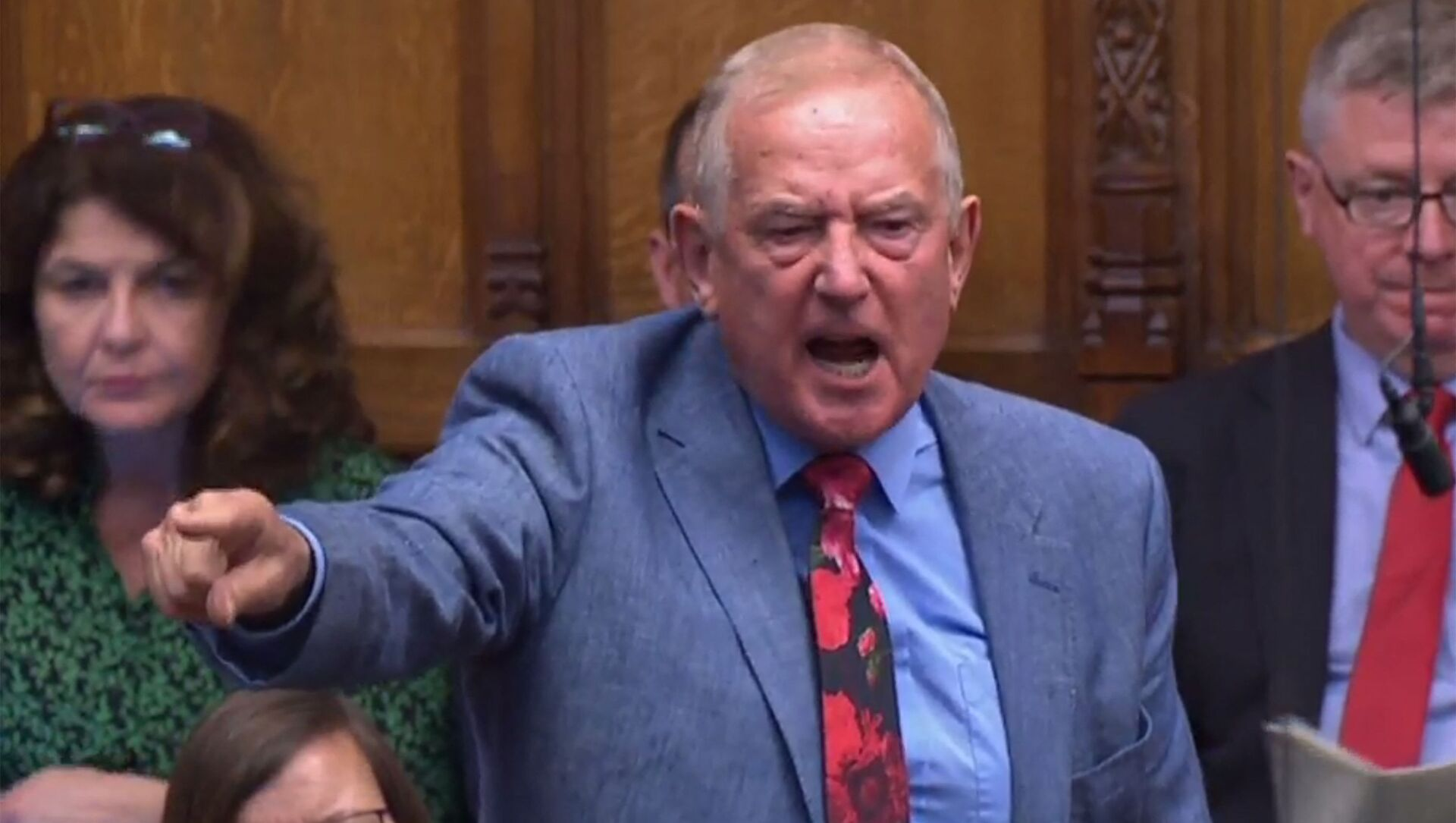 A video grab from footage broadcast by the UK Parliament's Parliamentary Recording Unit (PRU) shows Britain's Labour Party MP Barry Sheerman gestures as he speaks as the Attorney General Geoffrey Cox responds to an urgent question in the House of Commonsin central London on September 25, 2019 on the prorogation of parliament and the Supreme Court's judgement after parliament resumed - Sputnik International, 1920, 17.08.2021