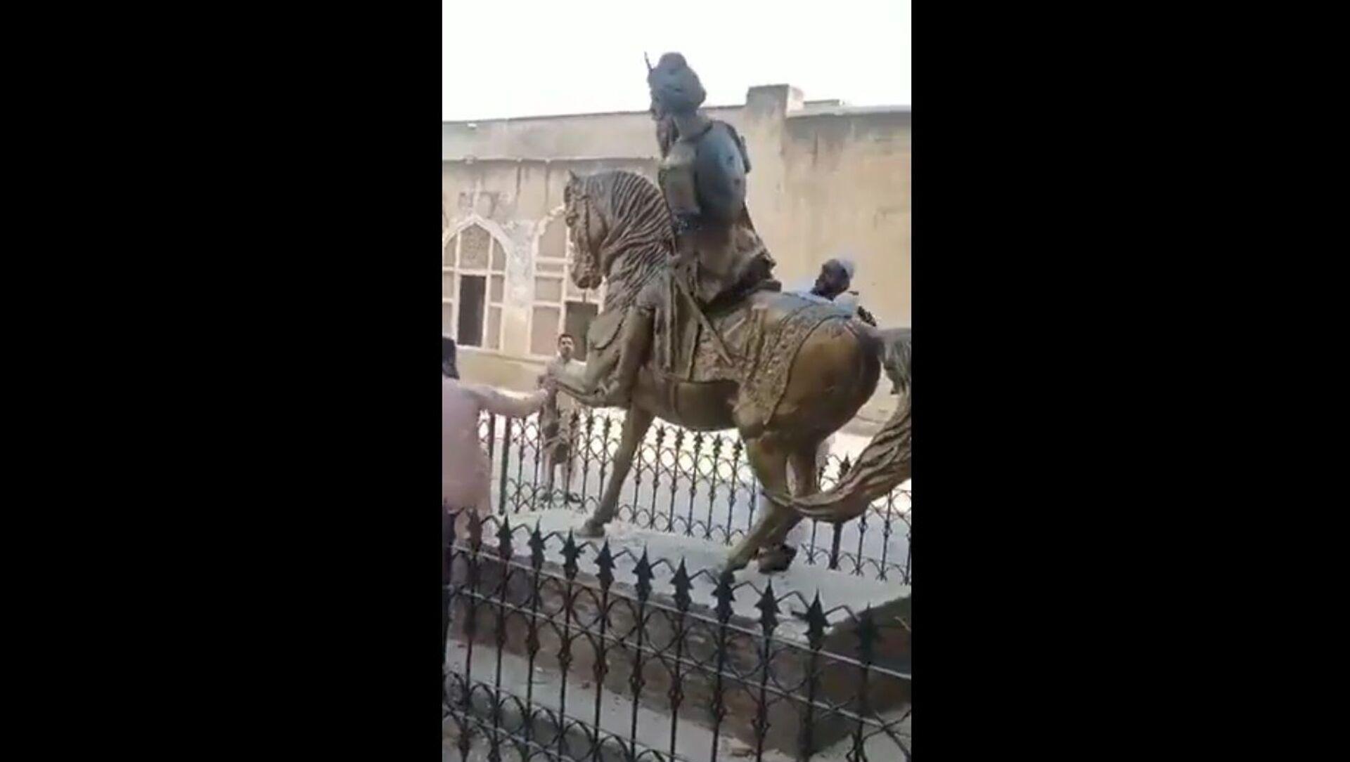 Maharaja Ranjit Singh's statue at Lahore fort is vandalised - Sputnik International, 1920, 17.08.2021