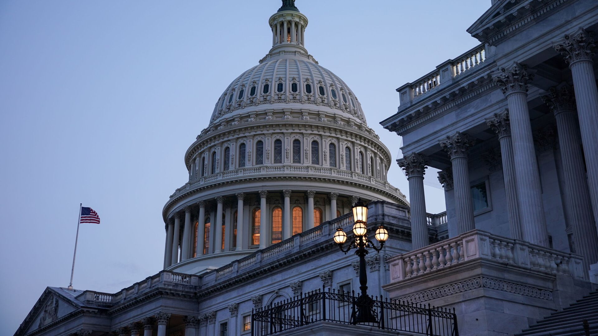 FILE PHOTO: The exterior of the U.S. Capitol is seen as Senators work to advance the bipartisan infrastructure bill in Washington, U.S., August 8, 2021. REUTERS/Sarah Silbiger/File Photo - Sputnik International, 1920, 24.09.2021