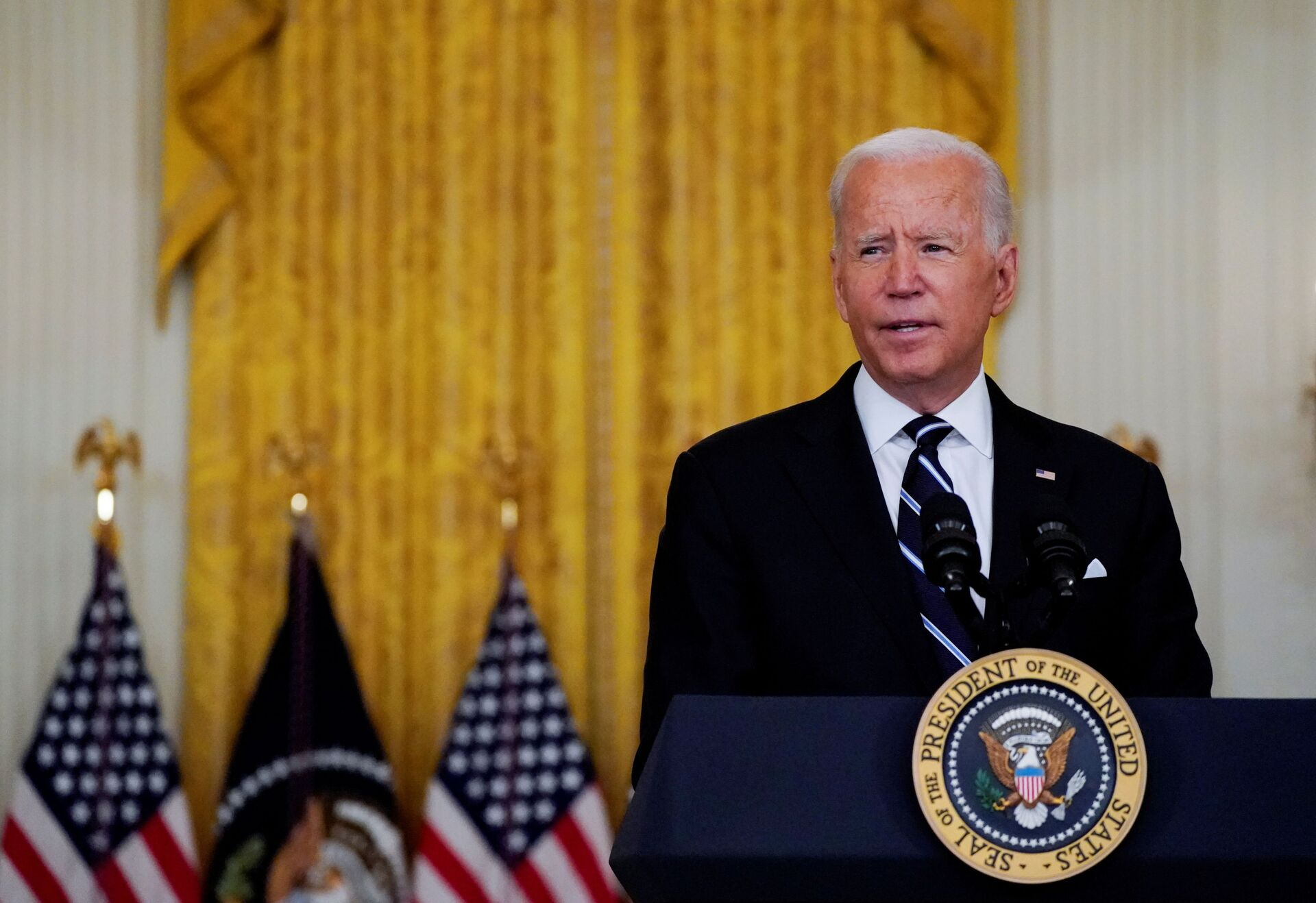 U.S. President Joe Biden delivers remarks on the coronavirus disease (COVID-19) response and  vaccination program during a speech in the East Room at the White House in Washington, U.S., August 18, 2021. - Sputnik International, 1920, 07.09.2021