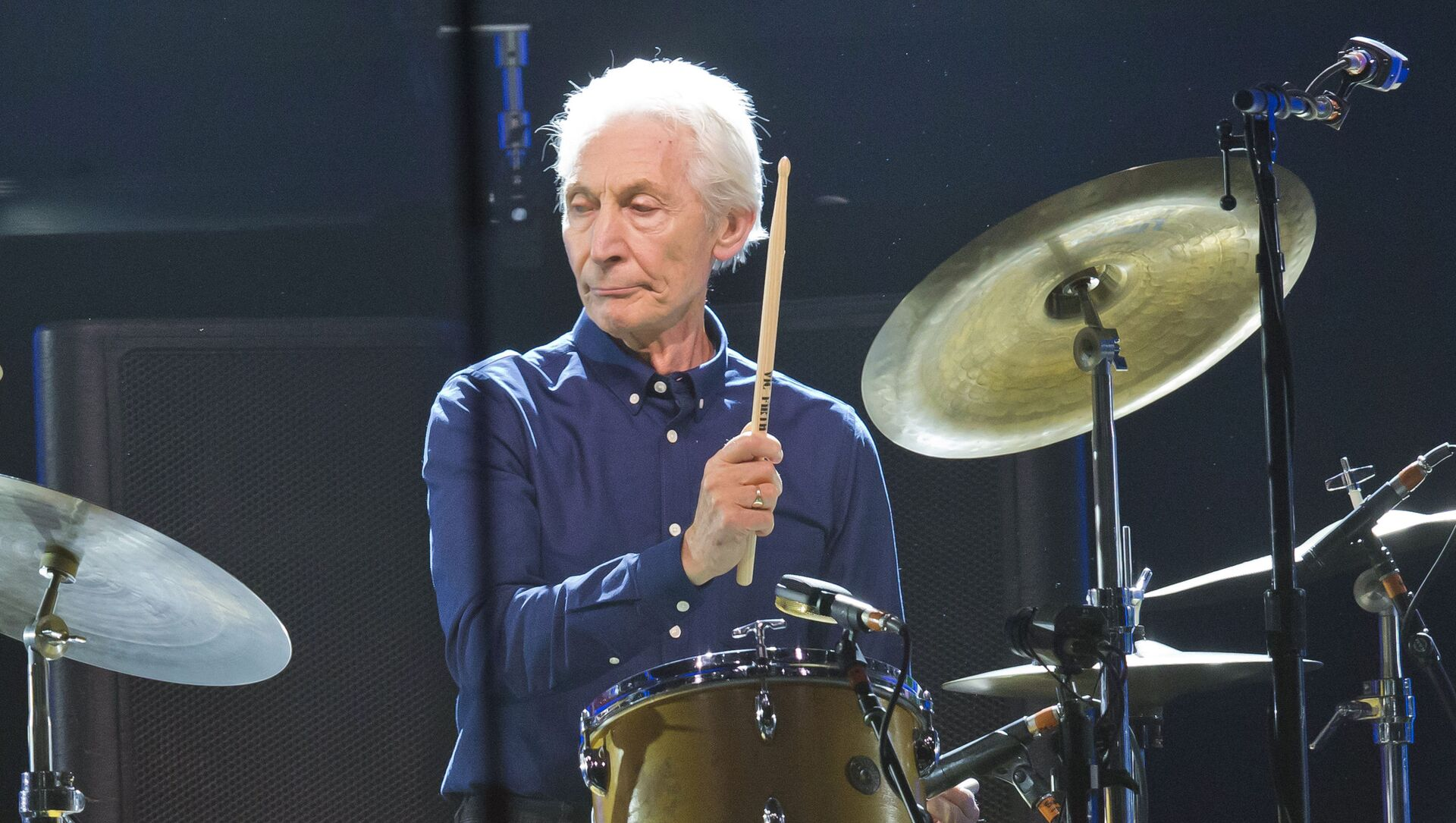 Charlie Watts, of the Rolling Stones, performs during a concert of the group's European No Filter Tour. - Sputnik International, 1920, 24.08.2021