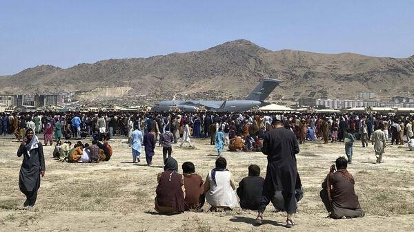 Самолет C-17 в аэропорту Кабула  - Sputnik International