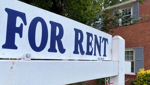 A For Rent sign is placed in front of a home in Arlington, Virginia, U.S., June 8, 2021 - Sputnik International