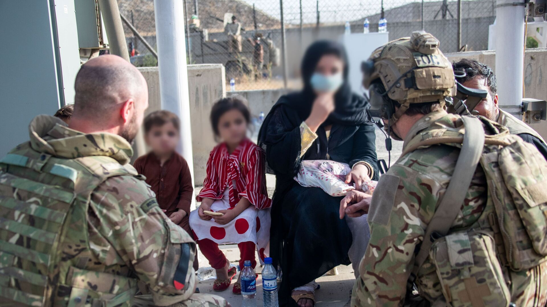 Members of the UK Armed Forces who continue to take part in the evacuation of entitled personnel from Kabul airport, in Kabul, Afghanistan August 19-22, 2021 - Sputnik International, 1920, 23.09.2021