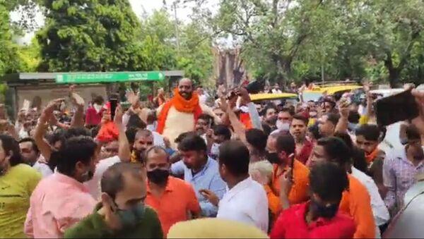 Main Accused in Delhi's Jantar Mantar Hate Speech Incident Surrenders Amid Fanfare - Sputnik International