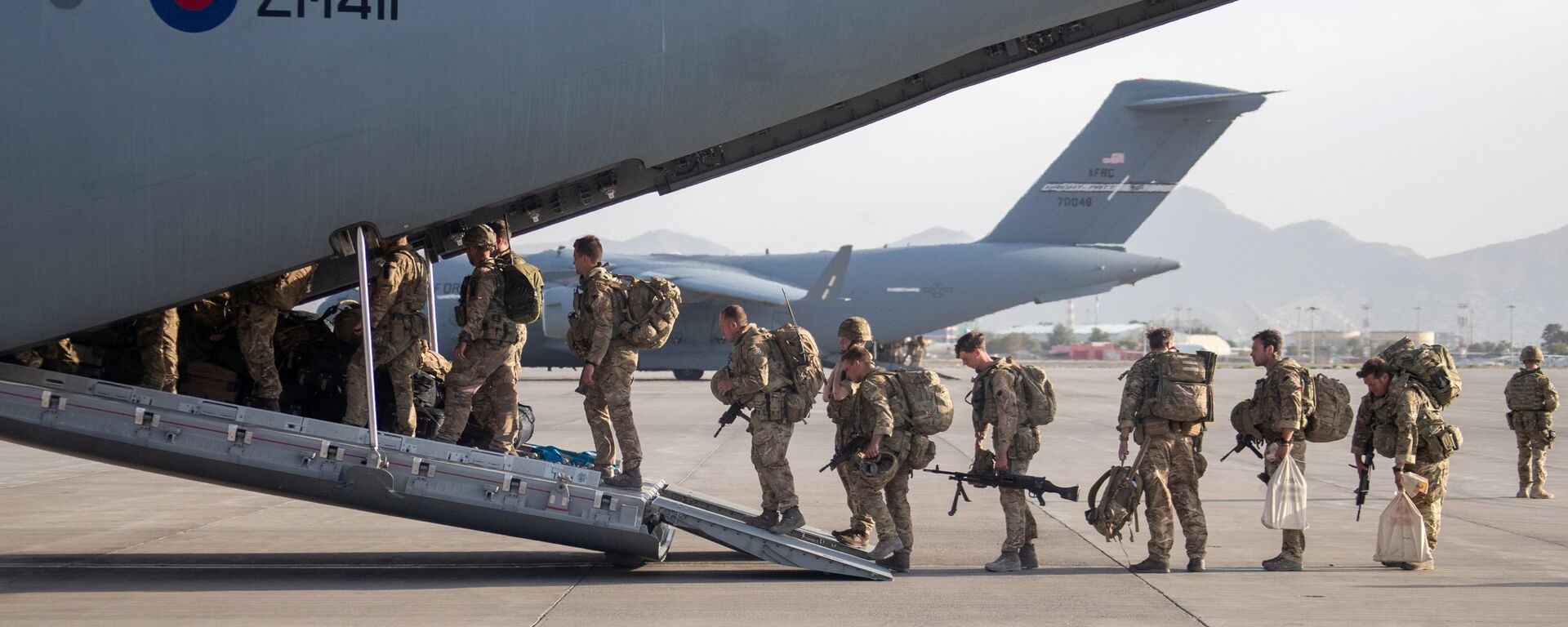 UK military personnel board an A400M aircraft departing Kabul, Afghanistan August 28, 2021 - Sputnik International, 1920