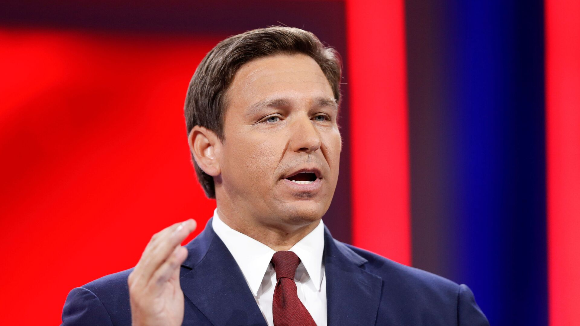 Florida Gov. Ron DeSantis speaks during the welcome segment of the Conservative Political Action Conference (CPAC) in Orlando, Florida, U.S. February 26, 2021. - Sputnik International, 1920, 17.09.2021