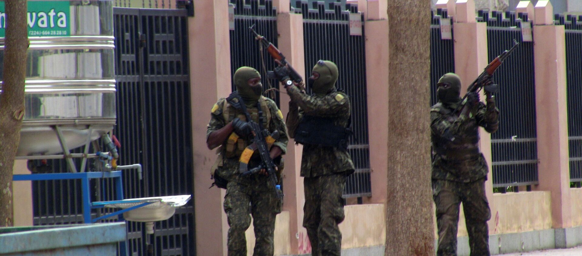 Special forces members are seen during an uprising that led to the toppling of president Alpha Conde in Kaloum neighbourhood of Conakry, Guinea September 5, 2021 - Sputnik International, 1920, 06.09.2021