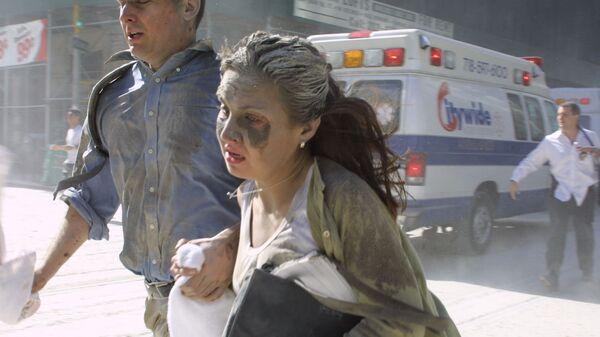 Люди убегают во время теракта в Нью-Йорке  - Sputnik International