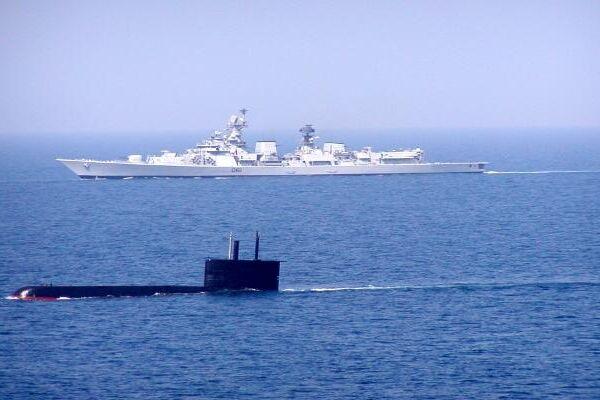 Indian Navy submarine and warships in the Indian Ocean region - Sputnik International