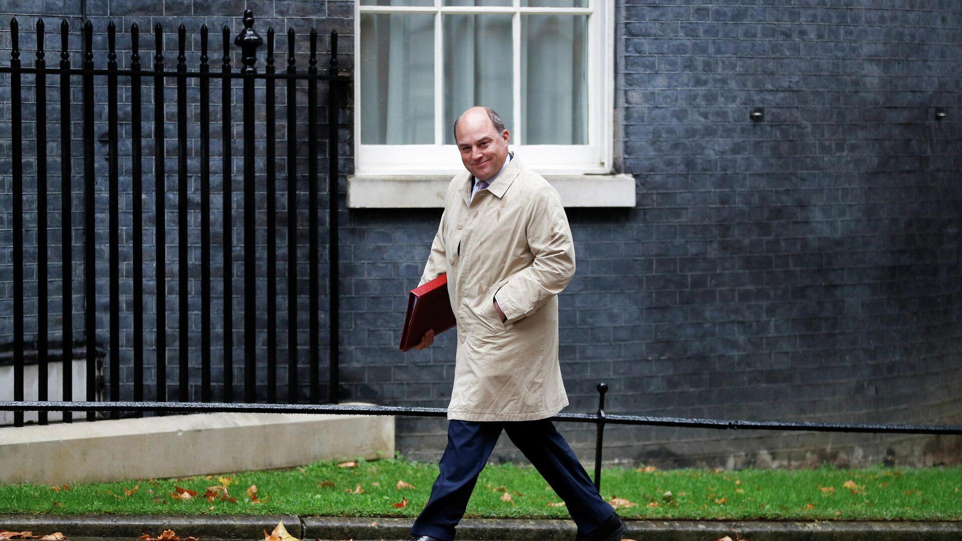 Britain's Defence Secretary Ben Wallace walks outside Downing Street in London, Britain, September 14, 2021.  - Sputnik International, 1920, 19.09.2021