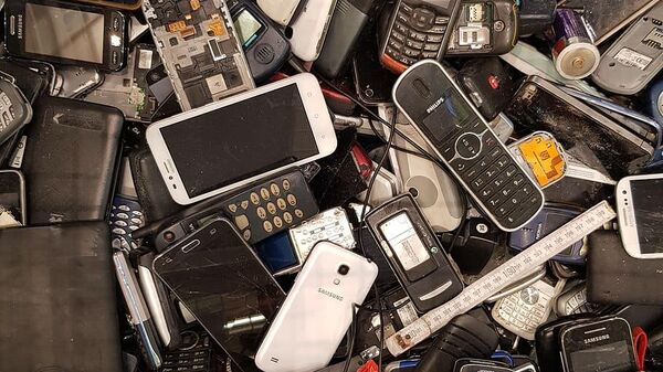 Pile of phones - Sputnik International