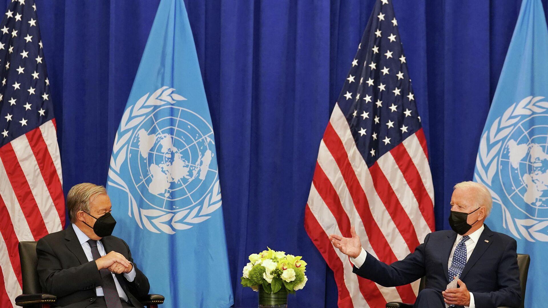 U.S. President Joe Biden meets with United Nations Secretary-General Antonio Guterres at the 76th Session of the U.N. General Assembly in New York City, U.S., September 20, 2021 - Sputnik International, 1920, 21.09.2021