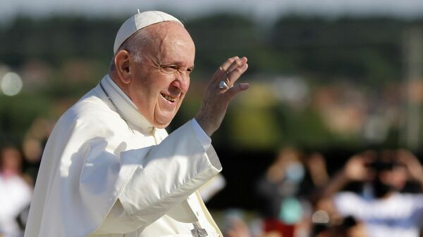 Pope Francis arrives for the Holy Mass at the Basilica of Our Lady of Sorrows in Sastin, Slovakia, September 15, 2021 - Sputnik International