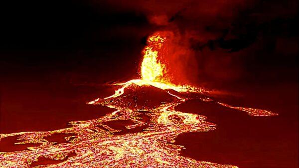 Извержение вулкана на острове Ла Пальма - Sputnik International