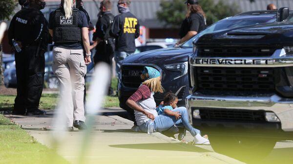 Emergency personnel respond to a shooting at a Kroger supermarket in suburban Memphis, Tennessee, U.S., September 23, 2021. - Sputnik International