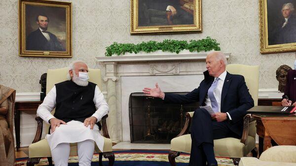 U.S. President Joe Biden meets with India's Prime Minister Narendra Modi in the Oval Office at the White House in Washington, U.S., September 24, 2021. - Sputnik International