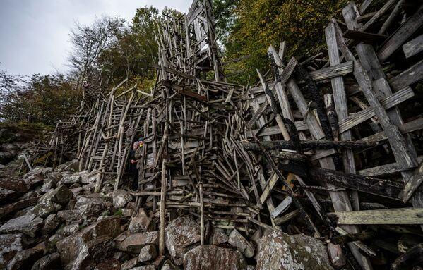 Творение Ларса Вилкса в природном заповеднике Куллаберг в Швеции  - Sputnik International