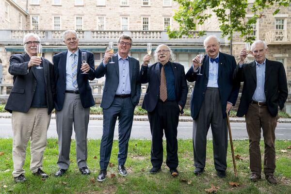 Лауреаты Нобелевской премии Принстонского университета, США  - Sputnik International