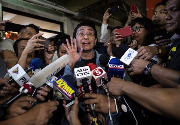 Филиппинская журналистка Мария Ресса дает интервью  - Sputnik International