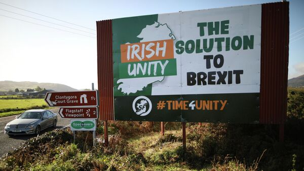 FILE - In this Wednesday Oct. 16, 2019 file photo motorists pass along the old Belfast to Dublin road close to the Irish border in Newry, Northern Ireland - Sputnik International