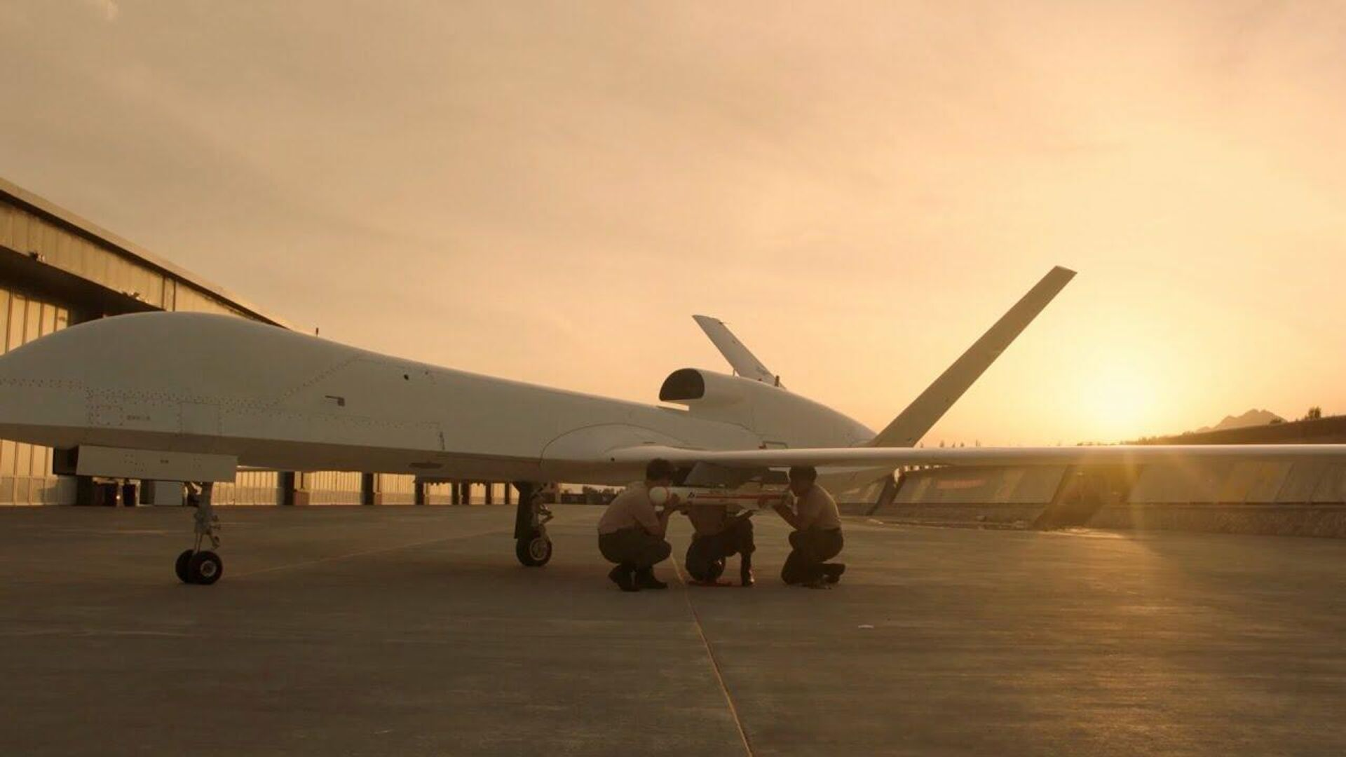 China's long-range WJ-700 UAV showcased at Airshow China 2021 - Sputnik International, 1920, 14.10.2021