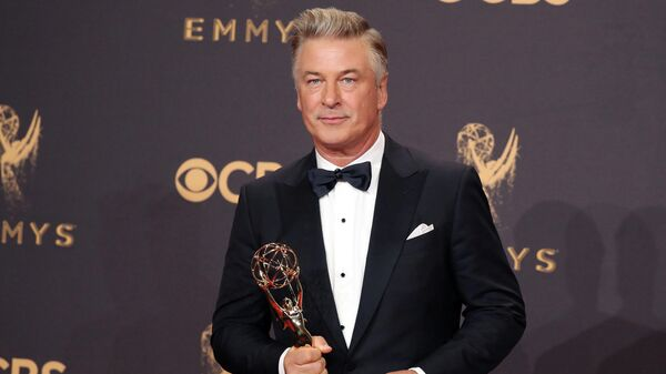 69th Primetime Emmy Awards – Photo Room – Los Angeles, California, U.S., 17/09/2017 - Alec Baldwin with his Emmy for Outstanding Supporting Actor in a Comedy Series for Saturday Night Live.  - Sputnik International