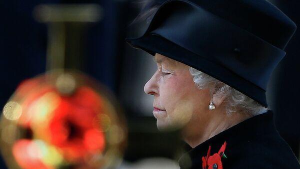 Queen Elizabeth II at the Remembrance Service, The Cenotaph, Whitehall, London, Britain - 09 Nov 2013 - Sputnik International