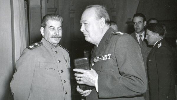 1945, Yalta - Joseph Stalin And Winston Churchill At The Yalta Conference - Sputnik International