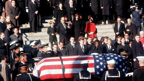 John F. Kennedy's Funeral Robert Kennedy and Ted Kennedy with Jackie Kennedy - Sputnik International